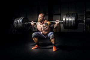 Come fare gli squat in modo corretto e performante