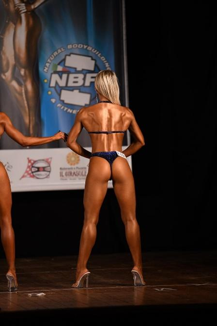 glutei allenamento bodybuilding donna