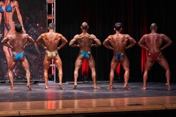 Pose Bodybuilding: Dorsali